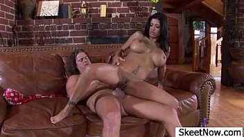 alexis fan with amore Milf spreading legs