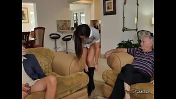 teen hunt 220 Senior sister doing handjob by troc
