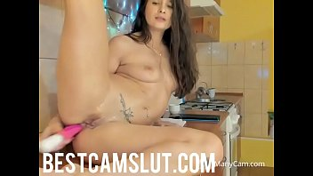 girl arab sexy hot Me coji ami hermana menor