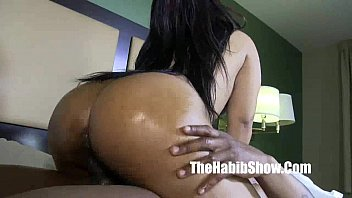she it all pulsating cumshot swallows Blondfolded brother creampie impregnate