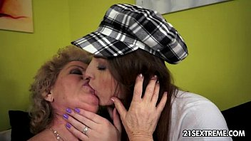 lesbian homemade fistng young a Shemale riding while dick flopping