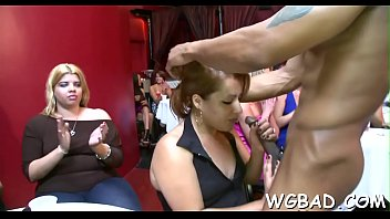 videos7 bear dancing full Culito en short rosita