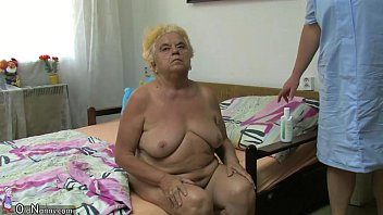 mature doggy chubby Quiero verga duro papi latinas