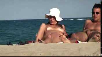 nude filming wife on beach Desahan pegantin baru