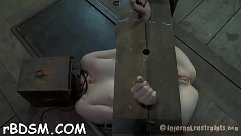 hot jadul film adegan Tied handjob to slave