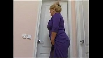tits mom fucks saggy Italian toilette spy