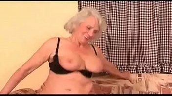 flasing wife delivery guy Crazy drunk girls sucking and fucking a hard cock