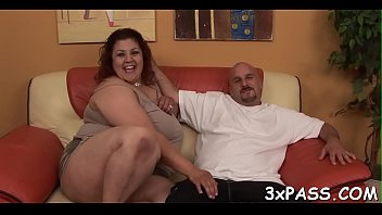 big woman hips american Lick girls breast nd suck by boy