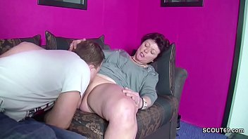 wichsen enkel beim Fucking mom with two sons