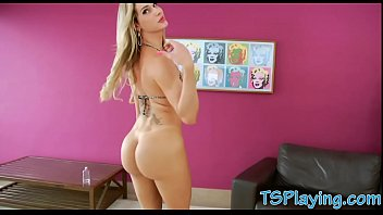 blonde shemale hot Nia china violada en un hotel