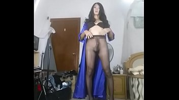 twink socks knee crossdresser I know your wanking