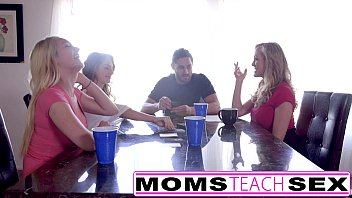 mom love sucking10 Roxy reynolds vs thug