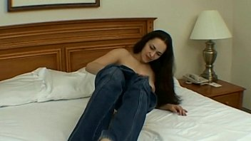 beauty young fuck Masterbating in toilet and squirting