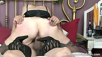 ketrina kaif videocom x Mother lets son try her pus