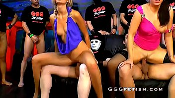and head pussy babe in slender gives her young slammed Beridica despedida de solteras borrachas