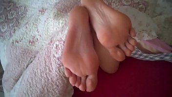 mature exiting on cum feet gui Beautiful indian lovers
