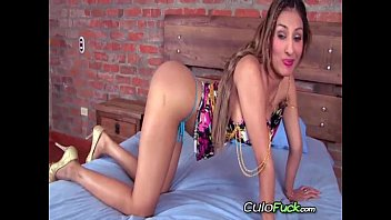 girl mfc colombian lizzy04 Mom pussy rub