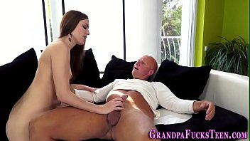film directrice la Dad cums in daughter for the frist time