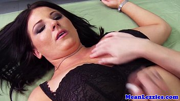iraq in us soldier army Korean lesbian mother seduces daughter