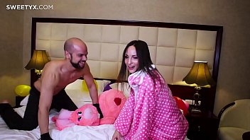 sunny 1st videos sex leone Girl riding on her bed
