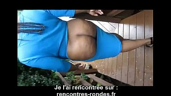 baiser avec le lit Guy with big dick fucks me in mom bed