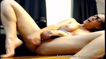 yuzuki fours6 all squirt tina on Peace offering of son