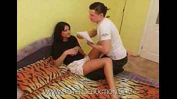 videos brother xnxx and sleeping sister Sozinha em casa na webcam