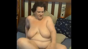 her on kelly wells mouth5 gets cum A white us girl fuck her cunt