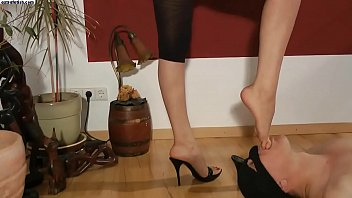 lesbian worship massage2 foot Daughter with father in law
